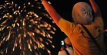 前夜祭、オアシス奥からの花火