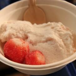 アイスクリーム苺ミルク