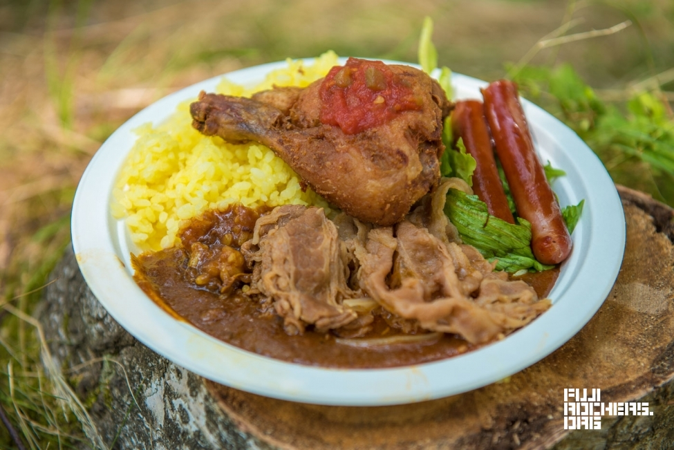 カレー食べくらべ:クインシーバ
