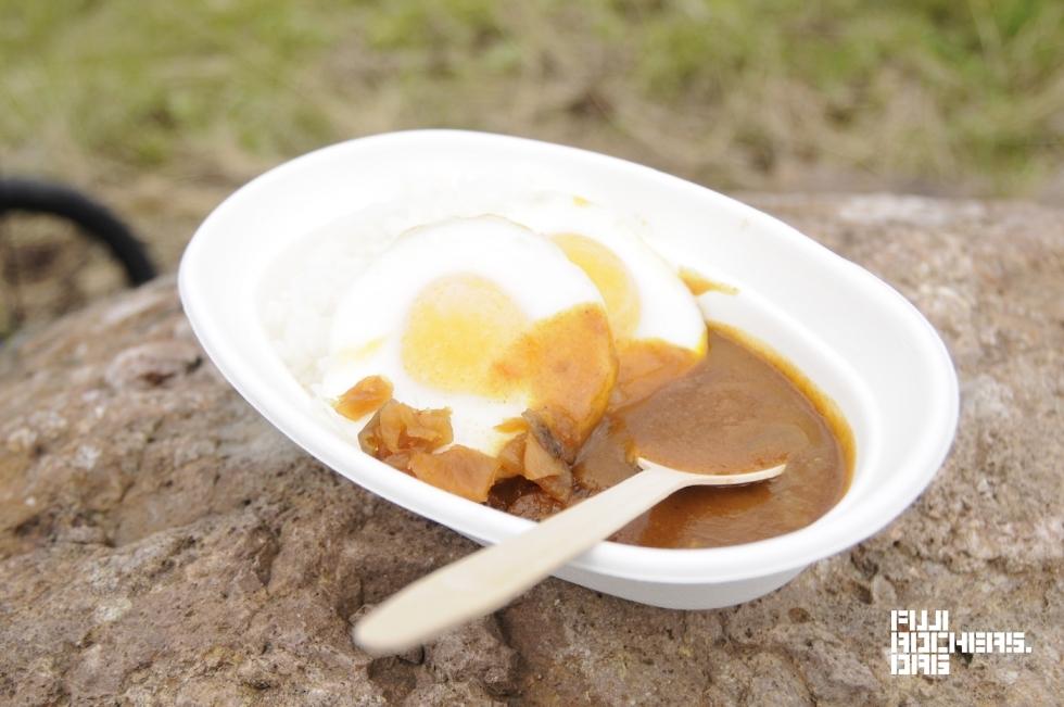 カレー食べくらべ:カレーショップ