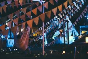 レッチリの裏世界、夜のピラミッドガーデン
