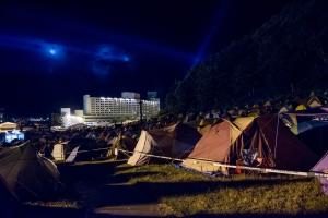 深夜のキャンプサイト