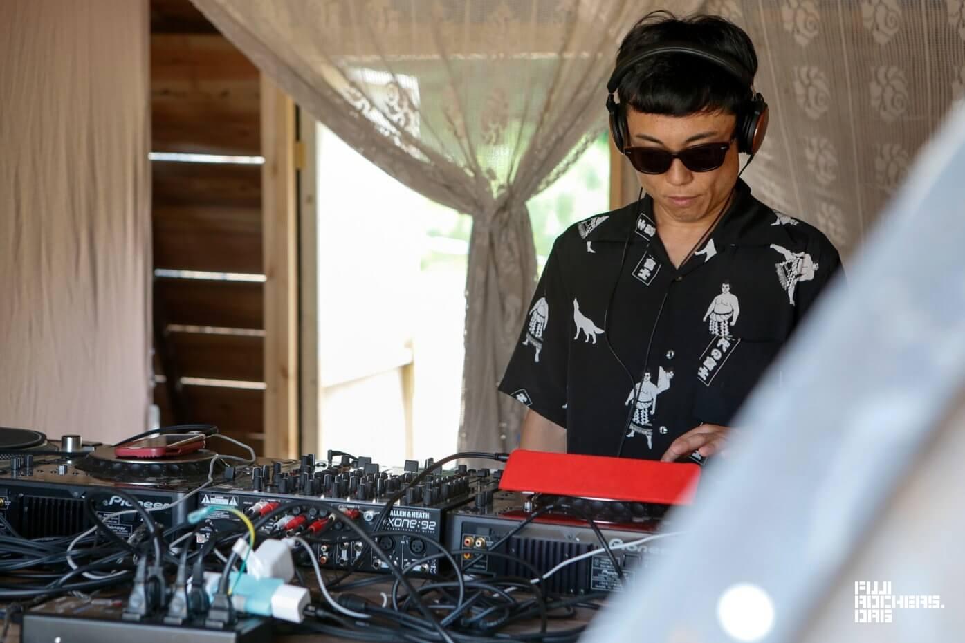 DJ/GOMA