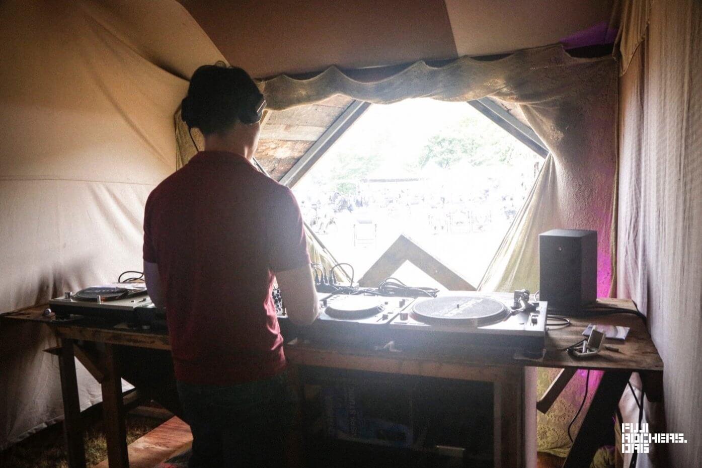 DJ/JOSHUA MOYLETT