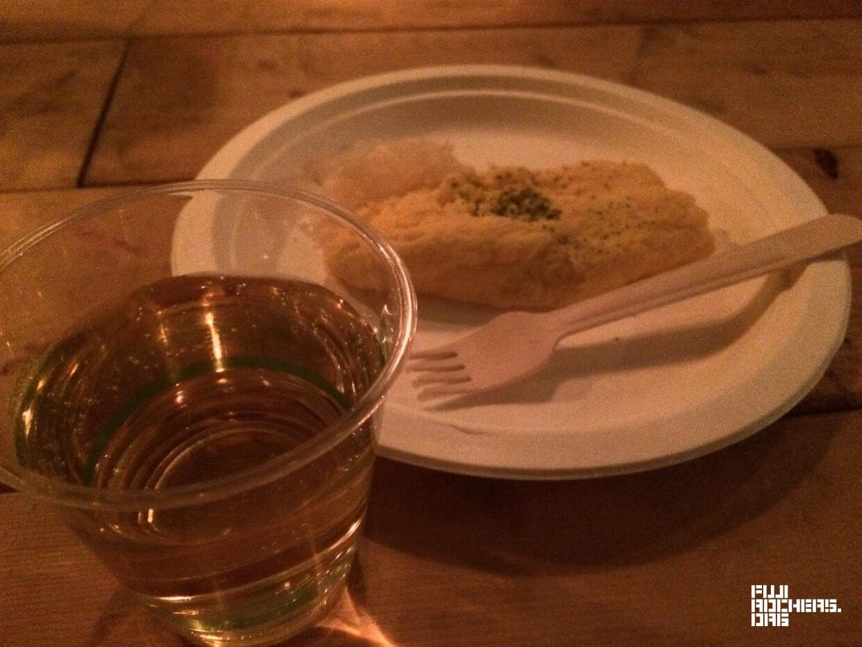 ワンオムレツとワインのセット