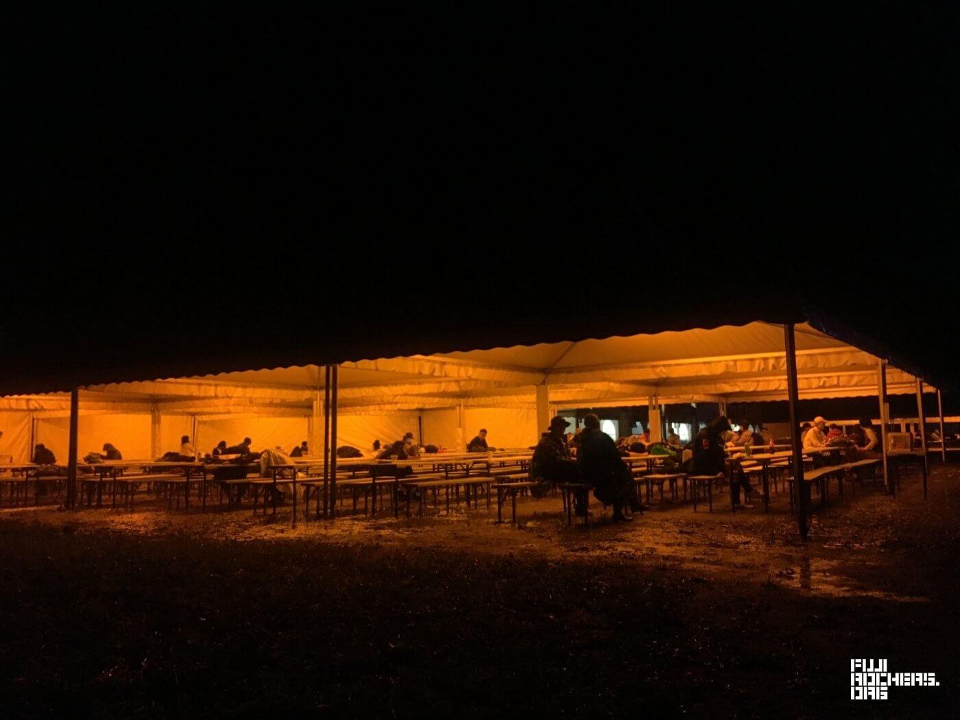 深夜1時のオレンジカフェ