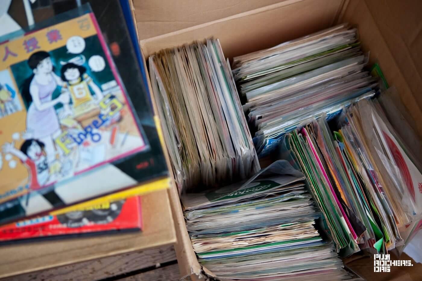大量のレコードが奥地に到着!