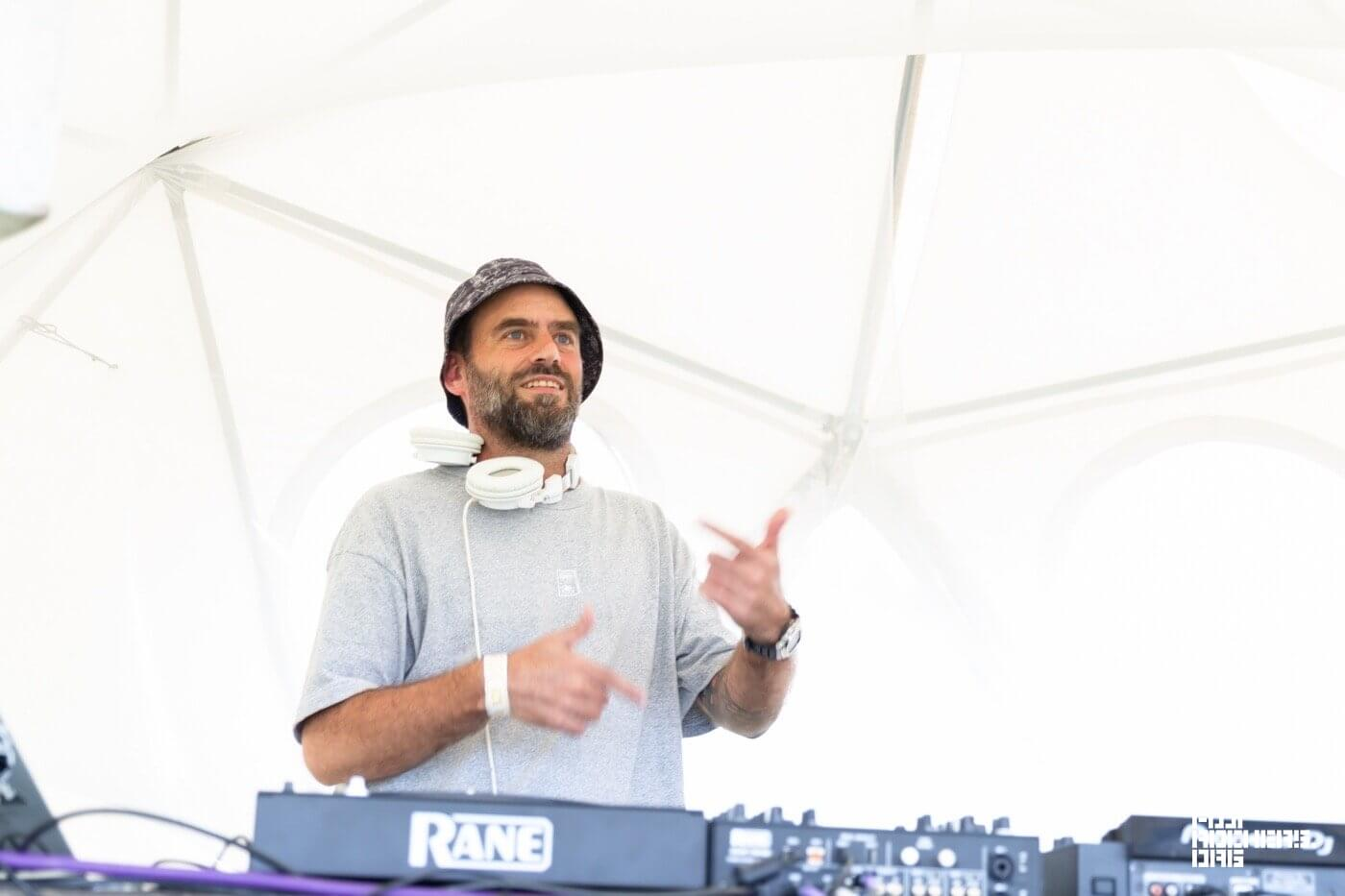 DJ Quietstorm – 8/22 Sunday